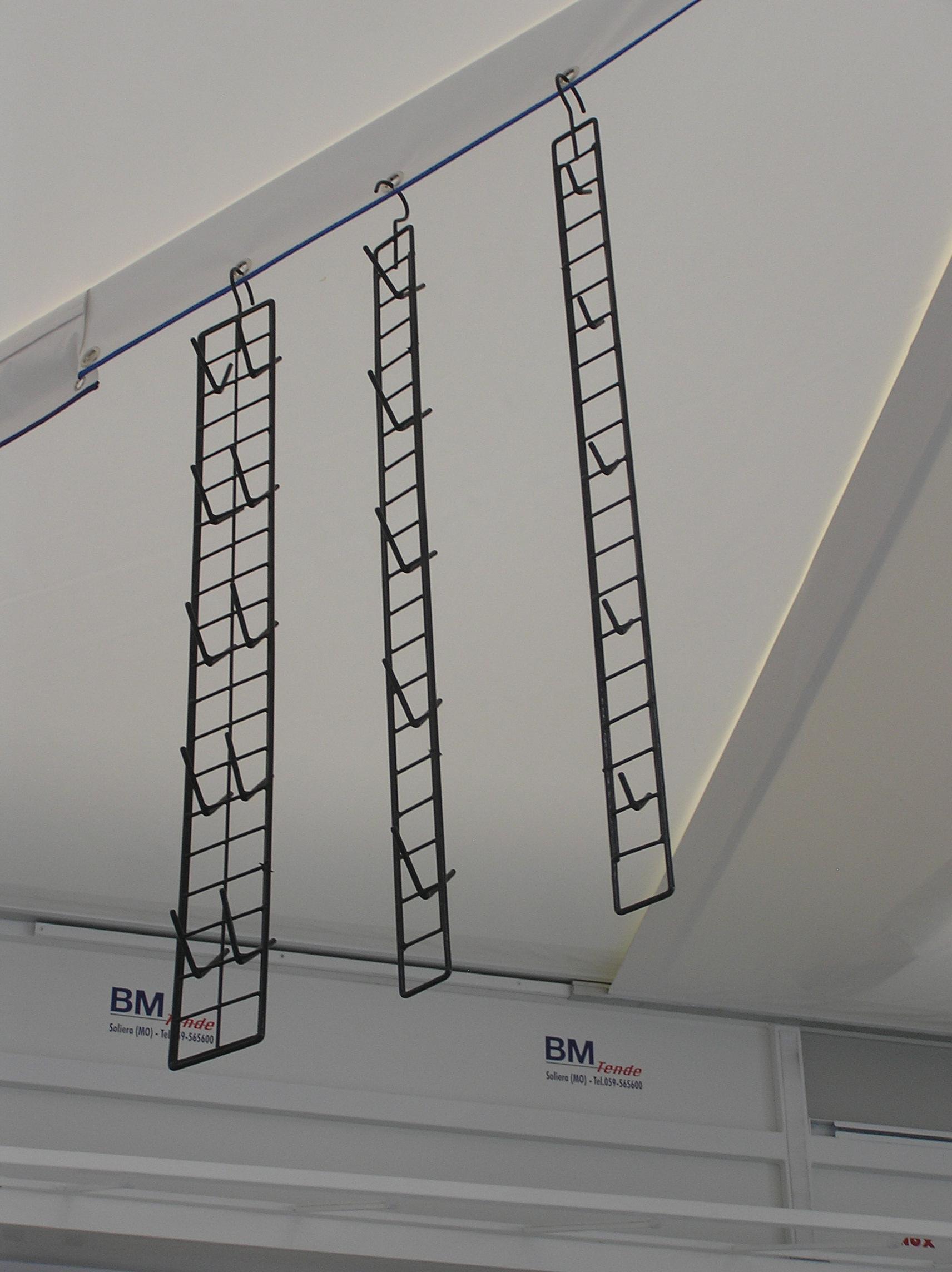 Scalette verticali con ganci